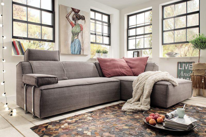Wir entwerfen oft sehr futuristische Möbel, erkennen dabei die Trends, um die Kundenerwartungen und -wünsche zu erfüllen.